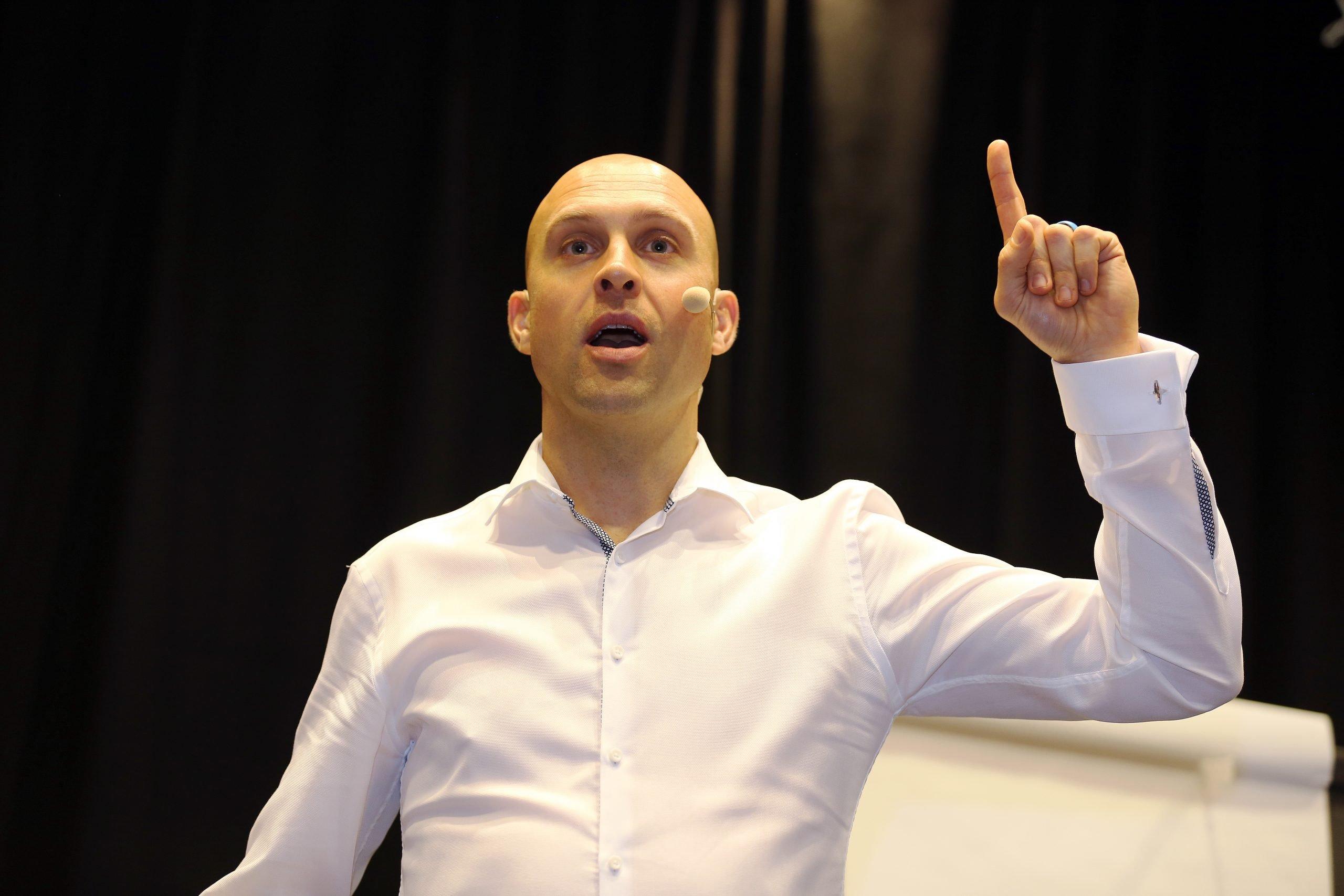 Luke Tyburski, motivational speaker