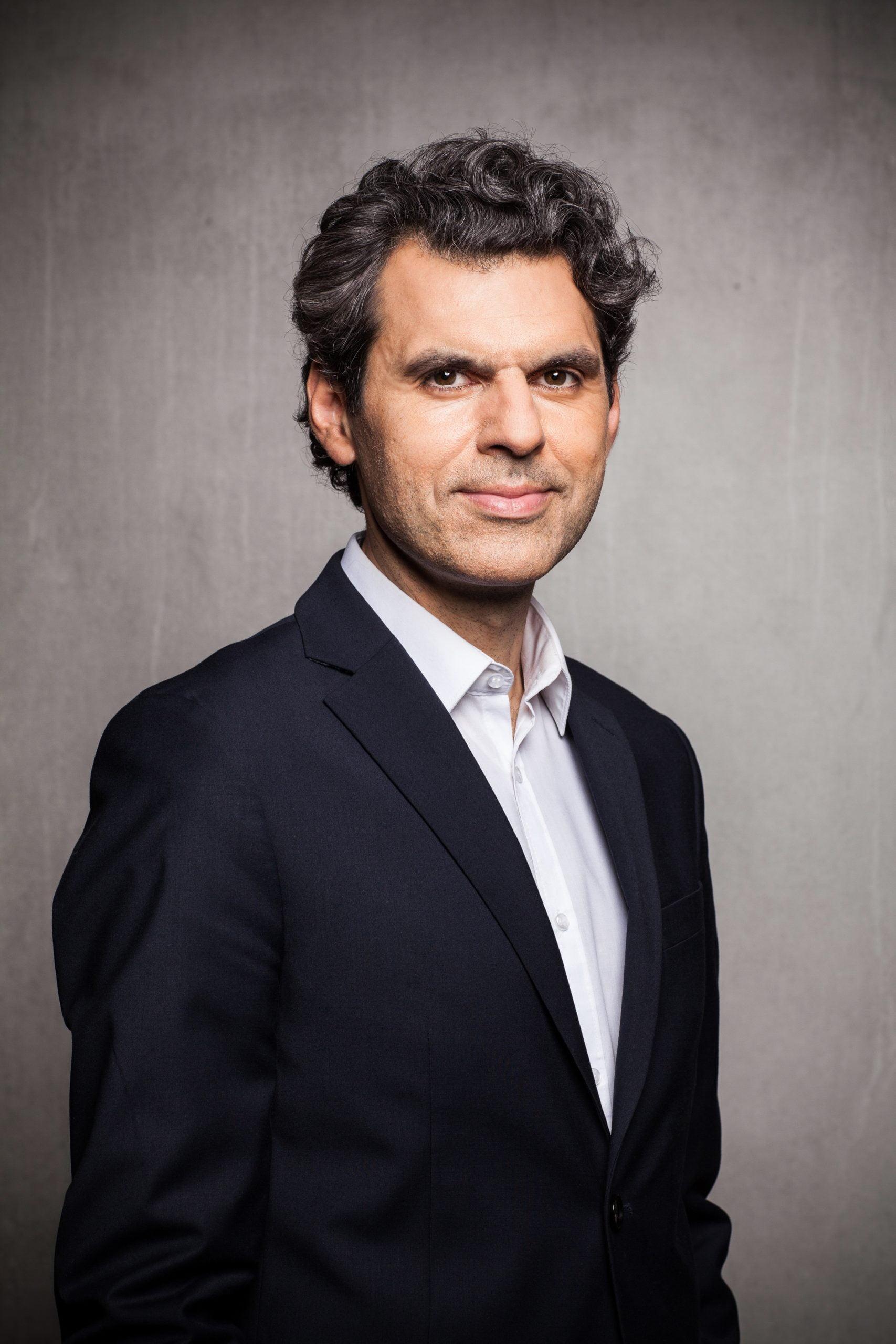 Ali Aslan International TV Presenter, Conference Moderator and Journalist